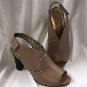 Life Stride Comfort Dress Sandals